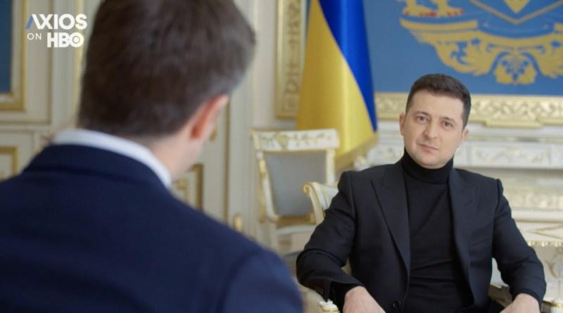 Ukrainian President Volodymyr Zelenskyi speaks to the correspondent of HBO's documentary news programme Axios. [Website of the President of Ukraine]