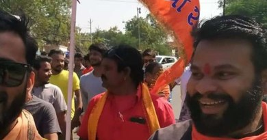 Hindu activists march in Jhabua on Jan. 11 to demand the closure of all Christian churches in the district of Madhya Pradesh state in central India. (Photo supplied)