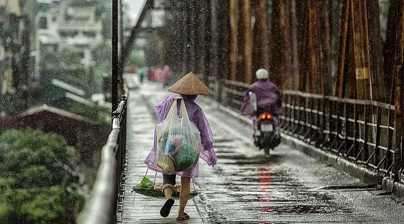 Monsoon eason Bridge Wet People Street Woman Asia