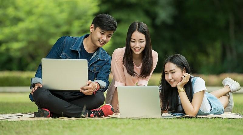 Thailand Students Adult Asia Computer Friend Friendship
