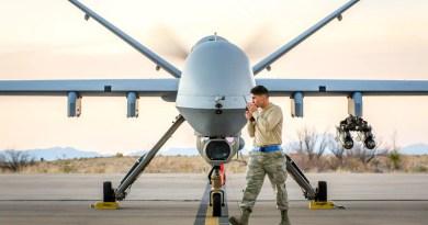 MQ-9 Crew Chief at Holloman Air Force Base, New Mexico, December 19, 2016 (U.S. Air Force/J.M. Eddins, Jr.)