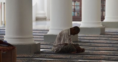 Ramadan Malaysia Asia Mosque Praying Muslim Islam Religion Pray Islamic