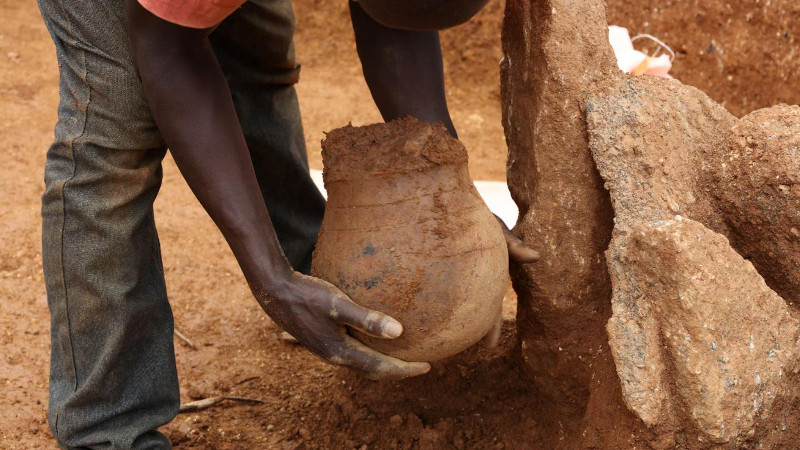 3,500 Year-Old Honeypot: Oldest Direct Evidence For Honey Collecting In Africa