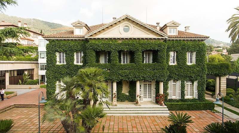 IESE Business School, Barcelona. Photo Credit: MrIrving, Wikipedia Commons