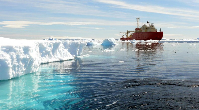 Salinity measurements in the Southern Ocean are key to reduce uncertainty in model projections of anthropogenic CO2 uptake. CREDIT © Oscar Schofield, Rutgers University