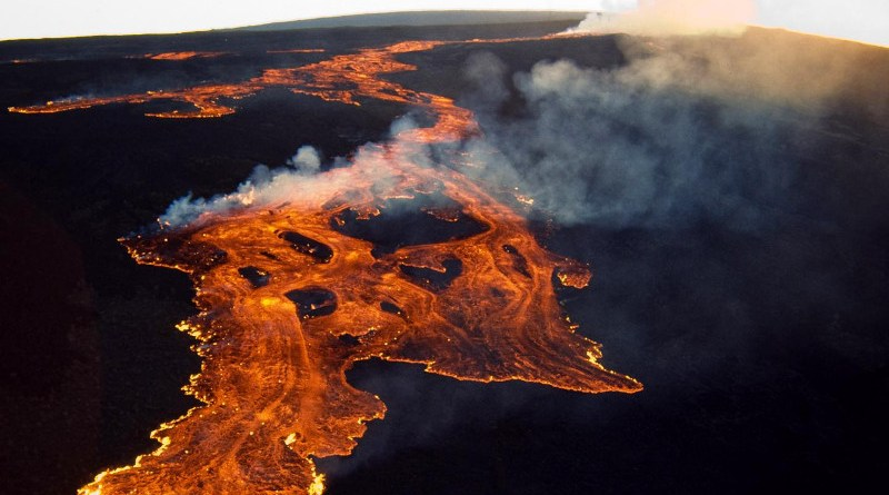 Standing 9 kilometers tall from the base on the seafloor to the summit, Mauna Loa is the largest volcano on Earth. CREDIT USGS