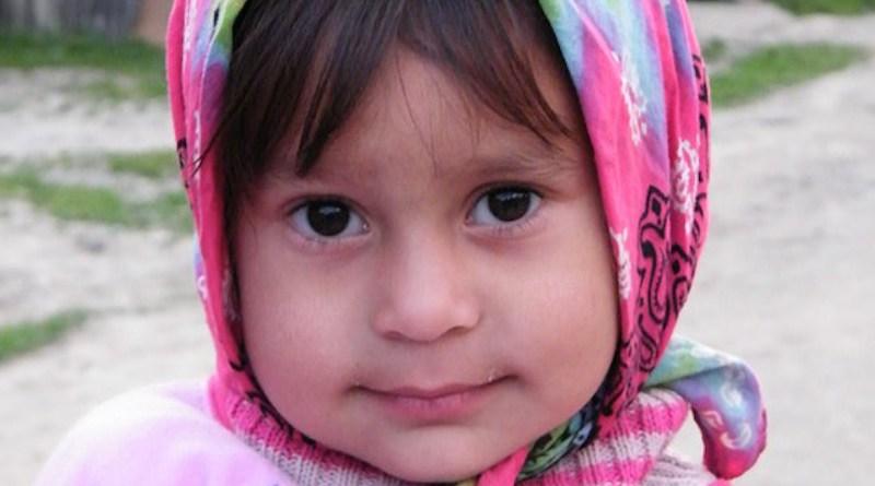roma gypsy child girl