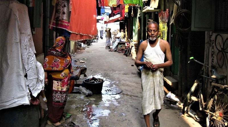 India Street Poverty Slums Kolkata People