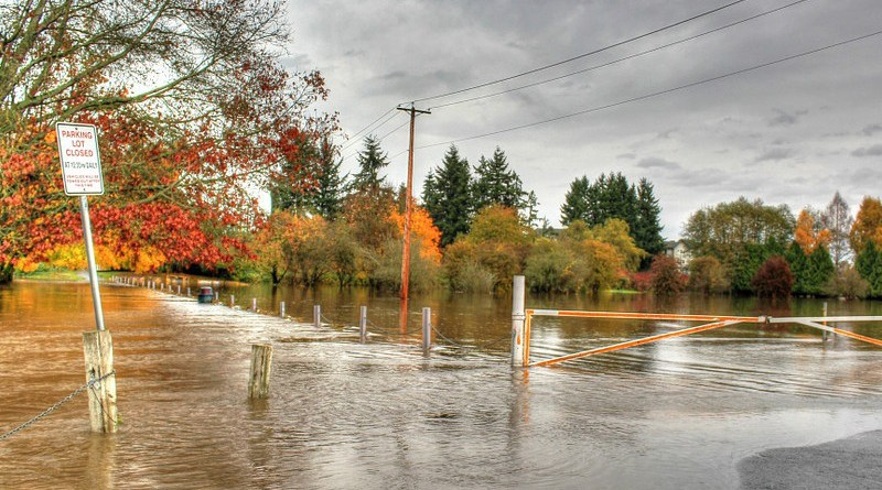 flood flooding