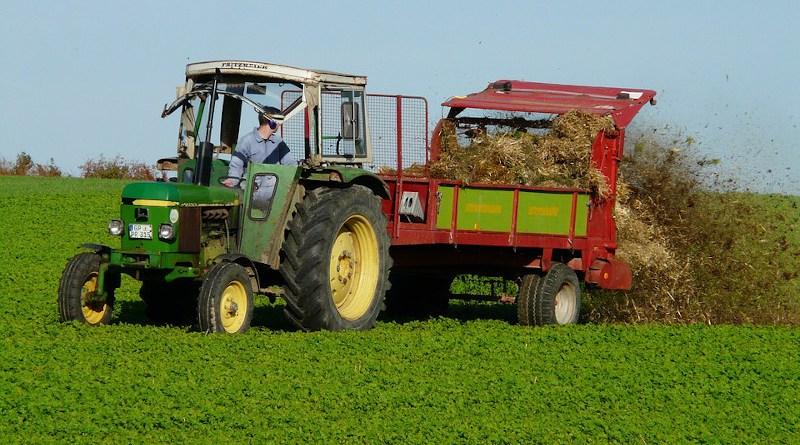 Agriculture Tractor Fertilizer Damn Field Manure