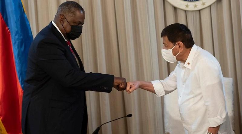 Secretary of Defense Lloyd J. Austin III meets with Philippine President Rodrigo Duterte in Manila, July 29, 2021. (DoD photo by Chad J. McNeeley)