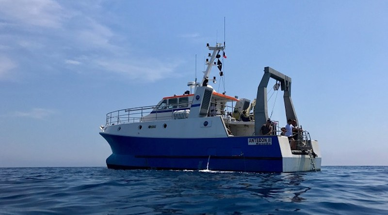 The RV Antedon II, belonging to France's DT INSU-CNRS research fleet. These pictures show the two environments sampled by the researchers, with the aim of applying the same methods in other marine regions. CREDIT: © Lars-Eric Heimbürger-Boavida, Mediterranean Institute of Oceanography (CNRS / Aix-Marseille University / IRD / University of Toulon)