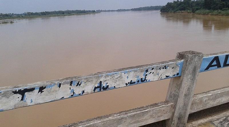 Bridge crossing the Kharasrota river in Odisha, India. Photo Credit: Deepak das, Wikipedia Commons