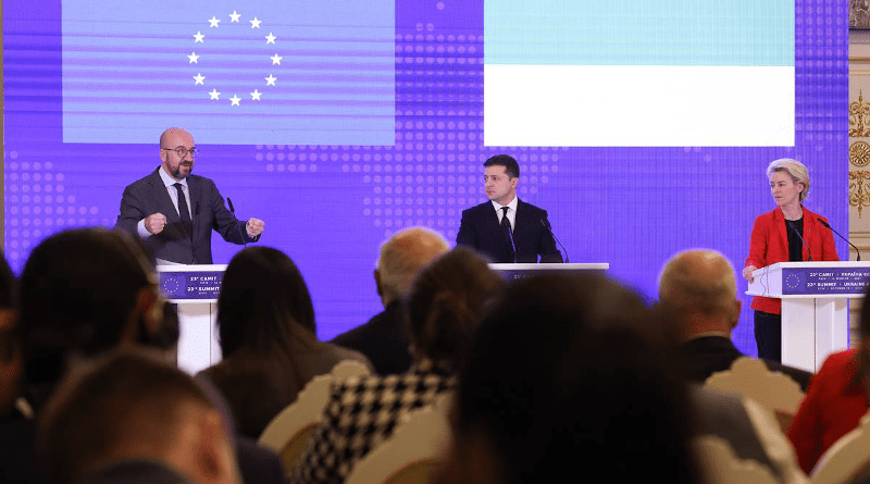 From left to right: Charles MICHEL (President of the European Council), Volodymyr ZELENSKYY (President of Ukraine), Ursula VON DER LEYEN (President of the European Commission)