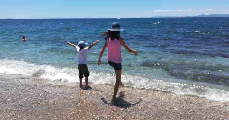 Athens Seaside for families: funny games and local treats!