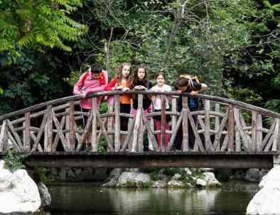 family tours in Athens