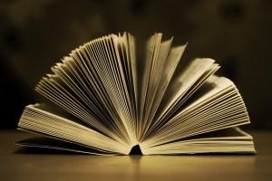 Photographie d'un livre ouvert
