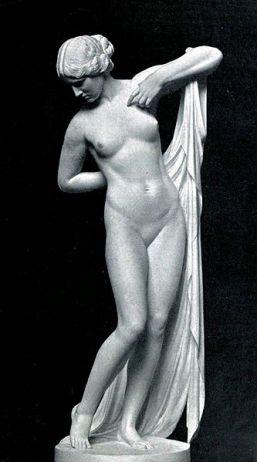 Phryné. Ferdinand Lepcke [Public domain], via Wikimedia Commons