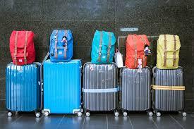 plusieurs valises et sacs en photo