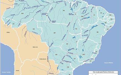 pourriez-vous me conseiller un ou plusieurs livres qui traitent de l'eau au Brésil d'une manière assez précise (hydrographie, agriculture, littoraux, fleuves, conflits, gestion…) dans la mesure du possible?