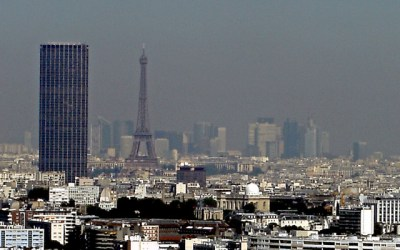 Je recherche des documents, articles sur la pollution de l'air et la représentation de la pollution à Paris