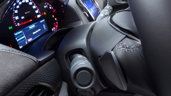 2016-Cadillac-ATS-V-8
