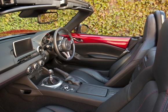 2016-Mazda-MX-5-72