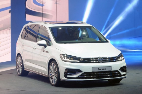 VW-Touran-New-4