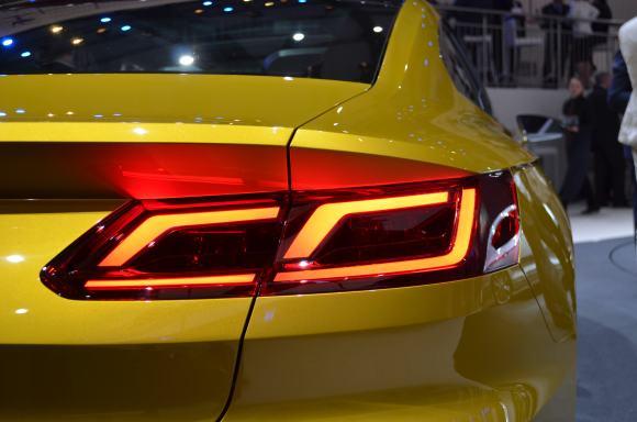 Volkswagen-Sport-Coupe-GTE-Concept-1
