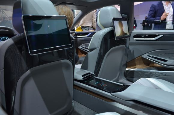 Volkswagen-Sport-Coupe-GTE-Concept-3