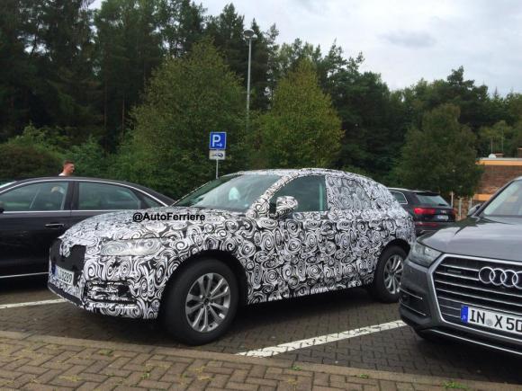 2016-Audi-Q5-spyshot-front-three-quarters