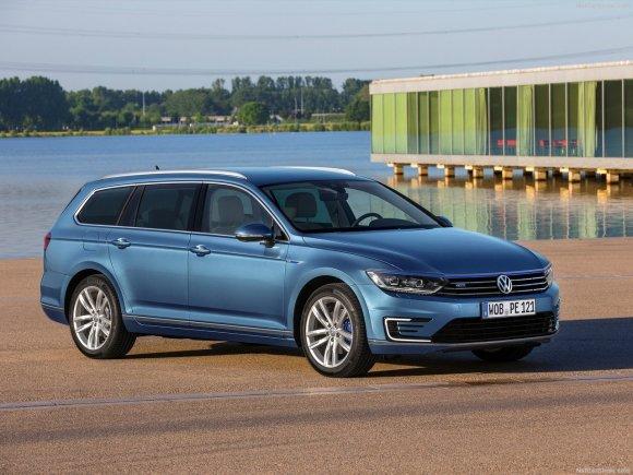 Volkswagen-Passat_GTE_2015_1280x960_wallpaper_06