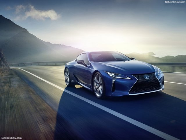 Lexus-LC_500h_2017_800x600_wallpaper_01