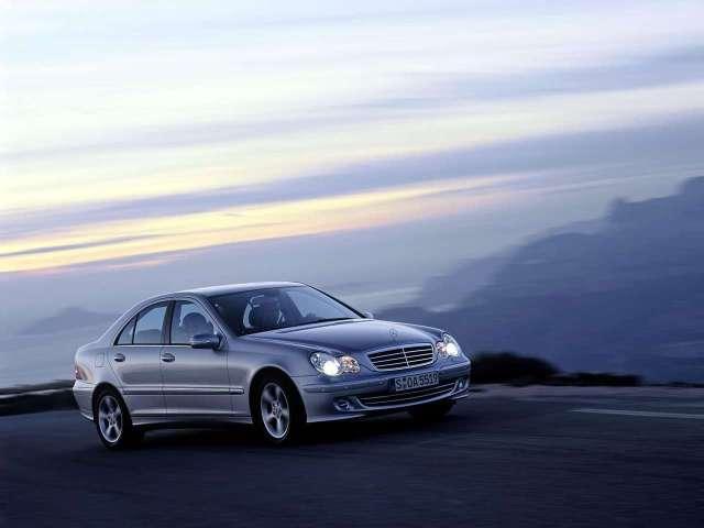 Mercedes-Benz-C220_CDI_Avantgarde_2004_1280x960_wallpaper_03