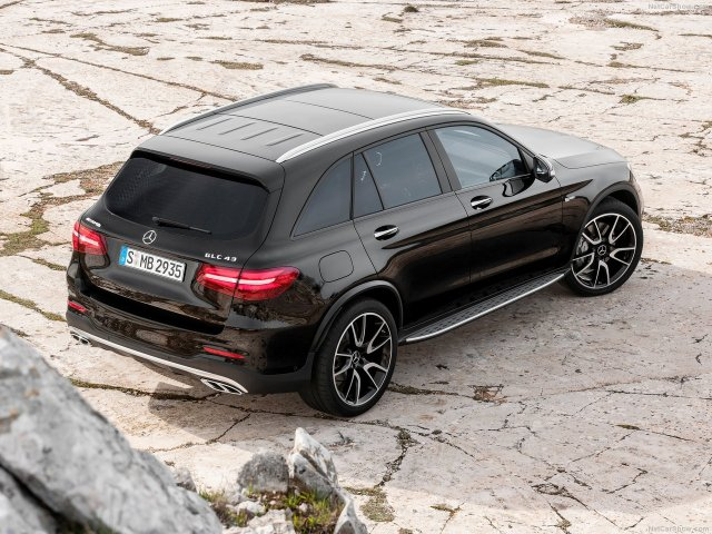 Mercedes-Benz-GLC43_AMG_4Matic_2017_1280x960_wallpaper_0f