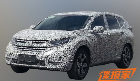 2017-honda-cr-v-front-quarter-spied-in-china