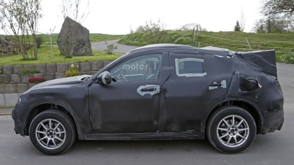 alfa-romeo-stelvio-spy-photo (3)