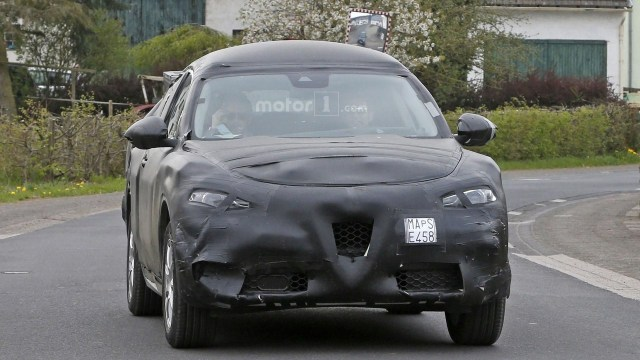alfa-romeo-stelvio-spy-photo (5)