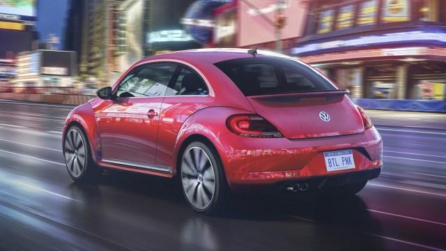 2017-volkswagen-beetle-pinkbeetle (1)