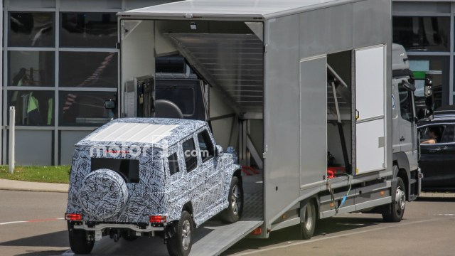 2017-mercedes-benz-g-class-spy-photo (1)