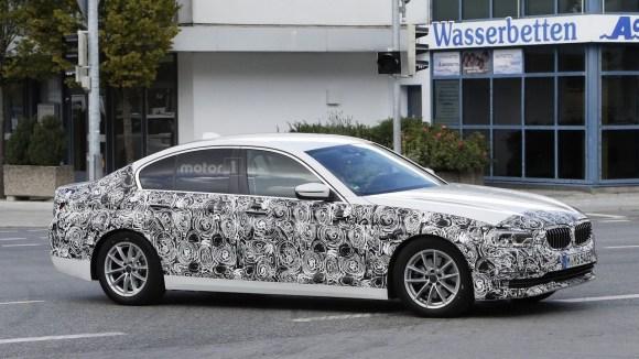 2017-bmw-5-series-sedan-spy-photo-1