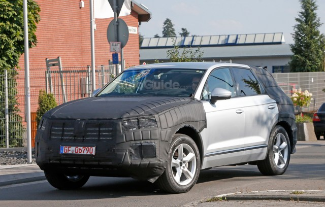 volkswagen-touareg-spy-photos-05
