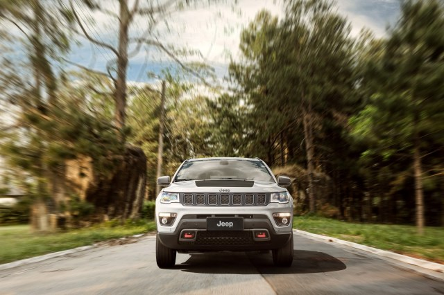 jeep-compass-trailhawk-2