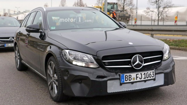2018-mercedes-c-class-facelift-spy-photo