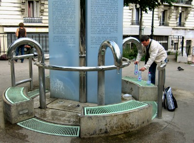 Spots to Visit in Paris, France: Paris: Free water at historic fountains (just bring a bottle!) | EuroCheapo