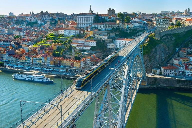 Transporte público em Portugal: entenda como funciona e quanto custa