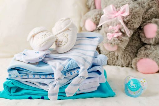 Dicas para economizar na compra do enxoval de bebê em Portugal
