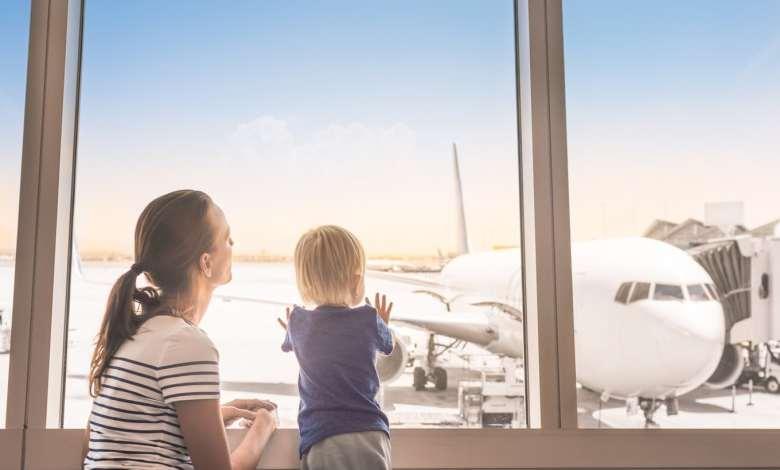 Criança precisa fazer seguro viagem