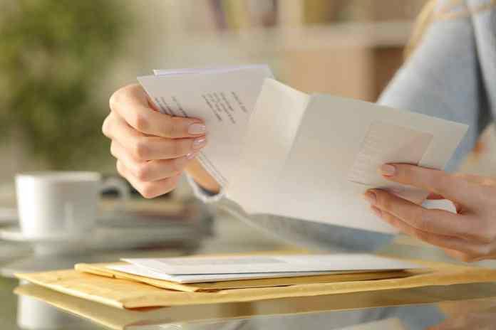 Enviar dinheiro pelo Correio: saiba como funciona e quais as taxas