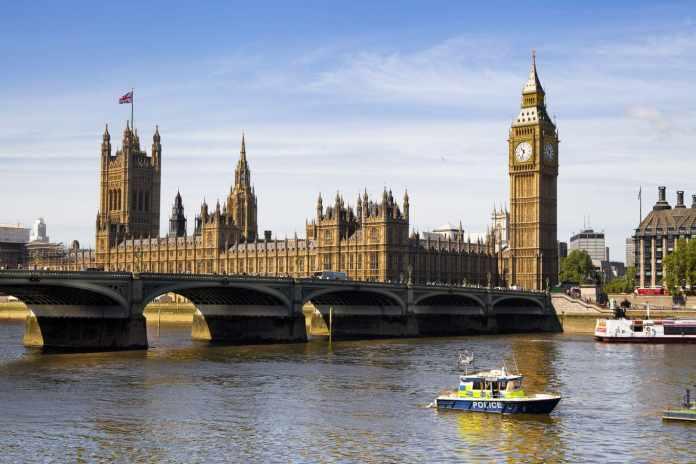 Seguro viagem para Inglaterra: saiba e é obrigatório e como contratar